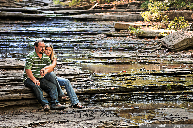 bella vista arkansas engagement photography of jeremy and laura by nwa wedding photographer sandy jagmin